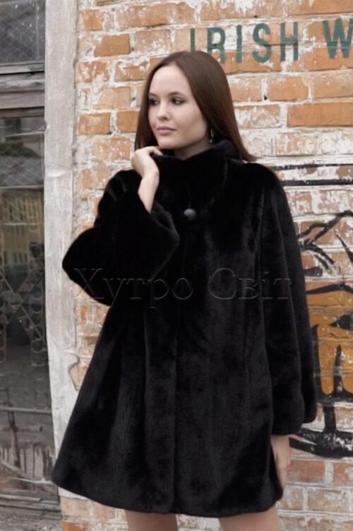 продукция производителя  ХутроСвіт Тисмениця 2021 Норковое манто черного цвета с воротником стойка, фото 2