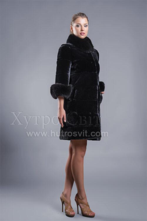 Пальто из мутона с укороченным рукавом, песцовыми манжетами и воротником Фото 1