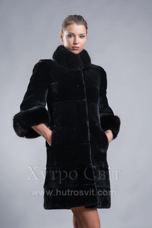 продукція виробника ХутроСвіт Тисмениця 2021 Шуба мутон, модель пальто, комір стійка песець, фото 2