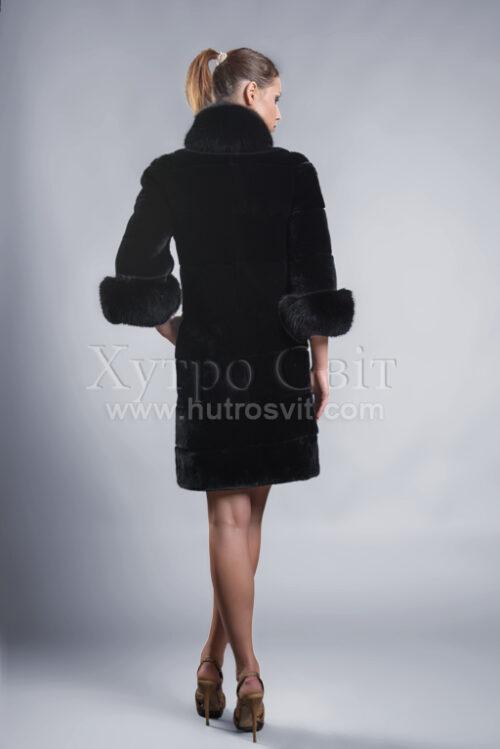 продукція виробника ХутроСвіт Тисмениця 2021 Шуба мутон, модель пальто, комір стійка песець, фото 4