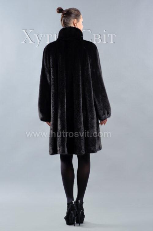 Шуба-манто із чорної скандинавки, комір стійка, модель трапеція, фото 4