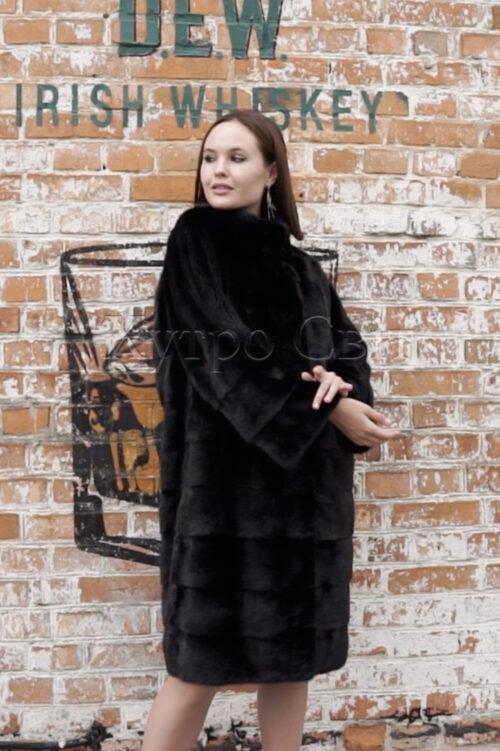 продукция производителя  ХутроСвіт Тисмениця 2021 Норковая шуба поперечного кроя с воротником стойка из меха категории эконом, фото 3