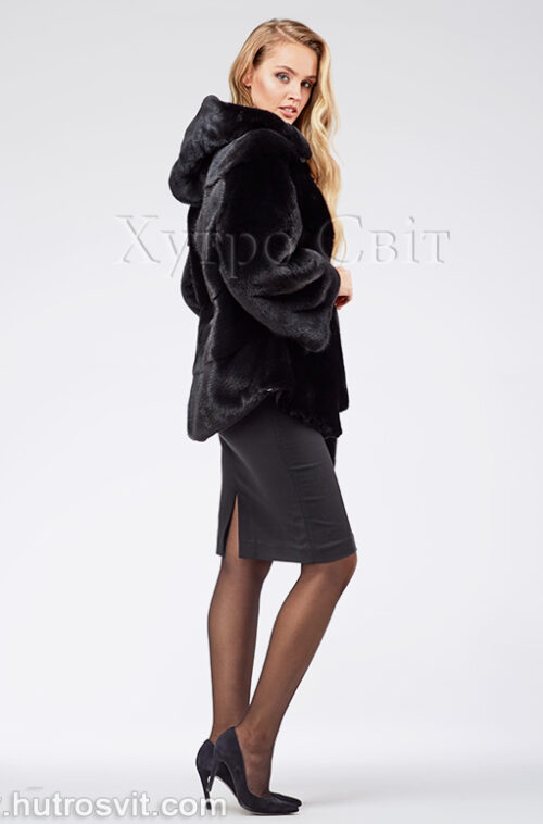 продукція виробника ХутроСвіт Тисмениця 2021 Норкова шуба – модель курточка з капюшоном, чорного кольору, фото 1