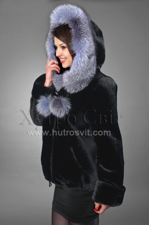 Шуба из мутона - курточка с капюшоном, опушка блуфрост,, фото 2
