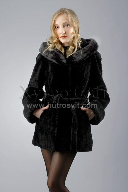 Курточка (півшубок) із мутону, з капюшоном оздобленим норкою,