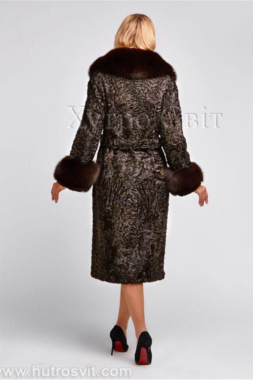 продукция производителя  ХутроСвіт Тисмениця 2021 Каракулевая шуба, коричневая, фасон пальто с песцовым воротником, фото 6