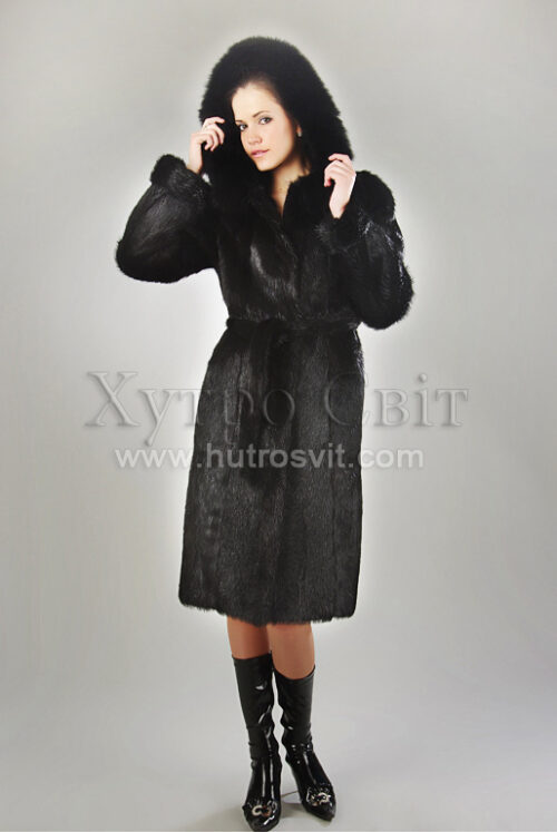 Фотографии женские меховые пальто: мех нутрия черная - капюшон, пояс на талии, боковые карманы. Натуральный мех черной нутрии, фото 1