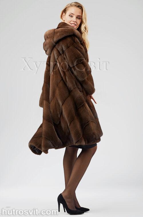 продукция производителя  ХутроСвіт Тисмениця 2020 Норковая шуба трапеция с капюшоном цвета орех, фото 3