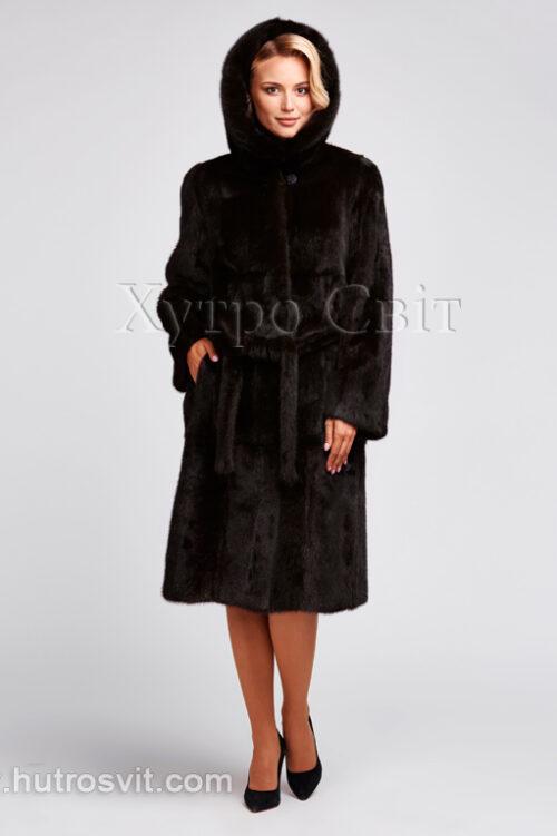 продукція виробника ХутроСвіт Тисмениця 2021 Шуба з капюшоном коричневого кольору, фасон пальто з поясом, фото 2